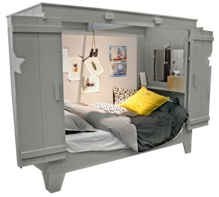 Das Bett Ist Richtig Komfortabel Ausgestattet. An Den Innenseiten Hast Du  Ablagefächer Für Bücher, Taschentücher, Eine Taschenlampe Und Was Du Sonst  Noch ...