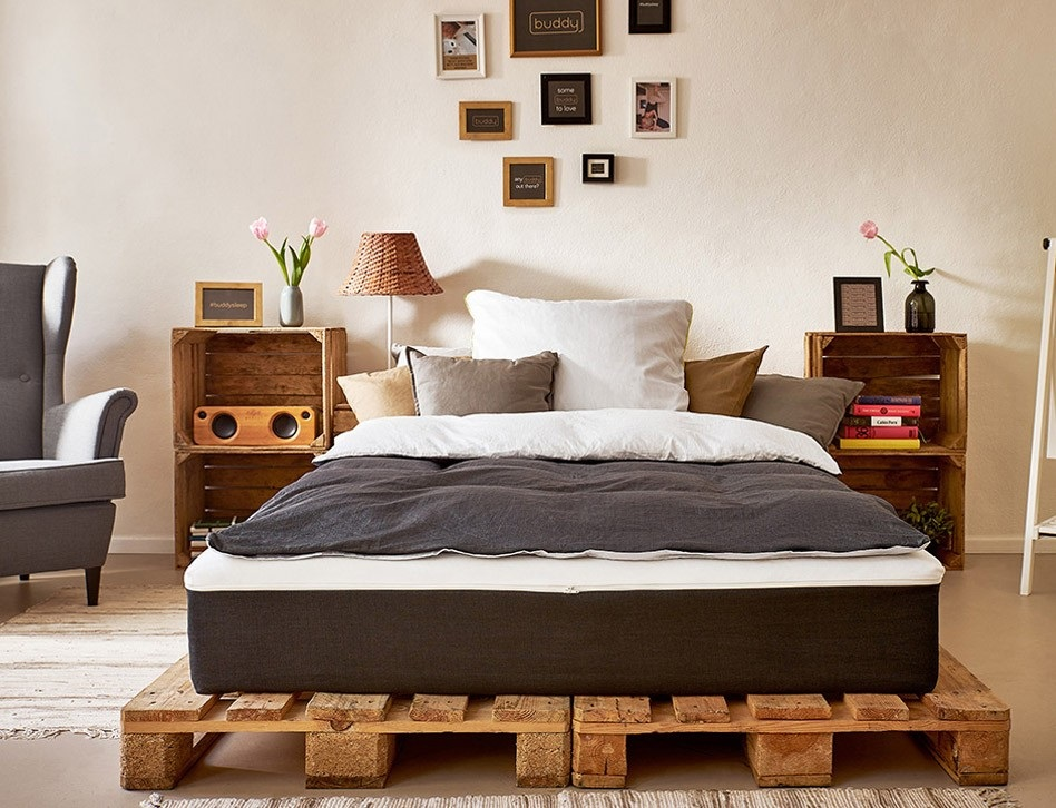 r ckenfreundliche matratze mit aufzippbarem bettlaken. Black Bedroom Furniture Sets. Home Design Ideas