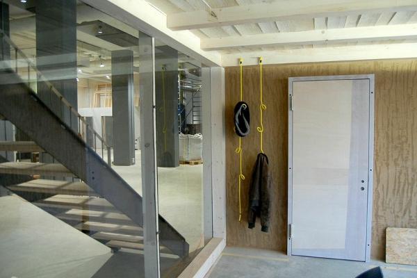 h ngende seil garderobe samt passendem set kleiderb gel. Black Bedroom Furniture Sets. Home Design Ideas